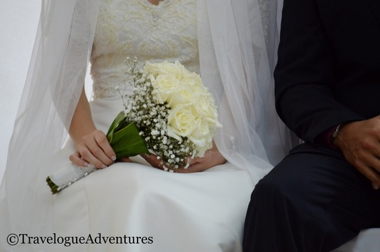 Bride holding bouquet, wedding Costa Rica Picture