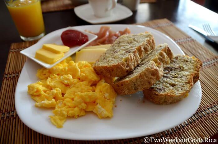El Balcon de Cafe - A great breakfast and lunch spot in Atenas