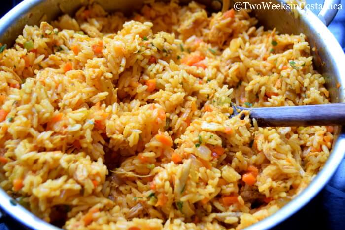 Homemade Costa Rican Arroz Con Pollo