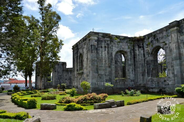 Las Ruinas de la Parroquia San Jose